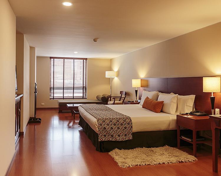 HABITACIÓN JUNIOR SUITE Hotel ESTELAR Suites Jones Bogotá